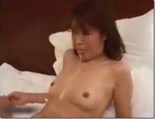 【寝取り動画】友人の嫁を寝とって淫乱調教03口内射精で精液タラ~リ
