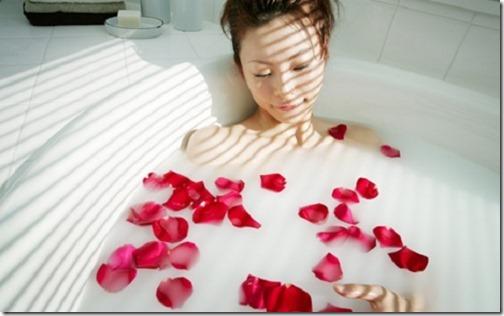 【エロ画像】お前が気持ちいいとオレも気持ちいいから・・お前の気持ちいいこと教えてくれ!21えぇ~!一人でハーブ風呂?ふざけんな!