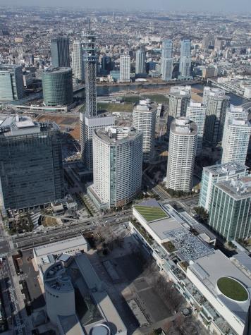 横浜メディアタワー周辺(横浜ランドマークタワーより)