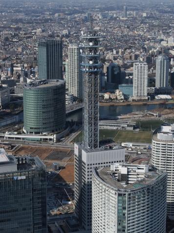 横浜メディアタワー(横浜ランドマークタワーより)