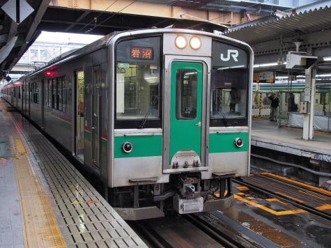 東北本線 701系1500番台 電車