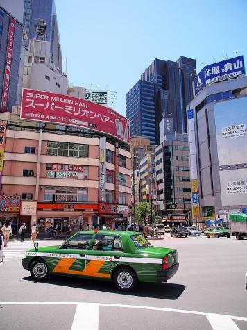 新宿 甲州街道にて【HDR】