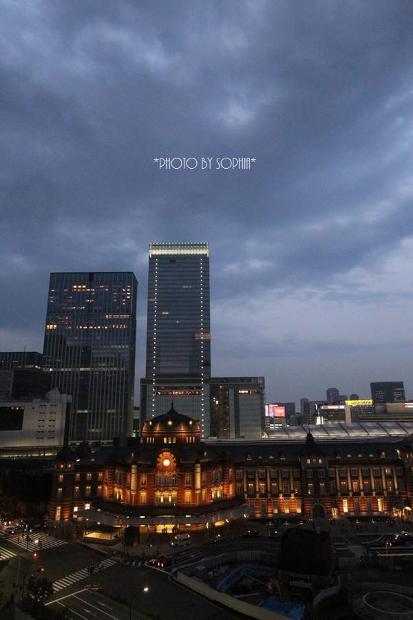 東京駅・夜