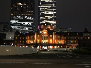 東京駅丸の内ベアブリック