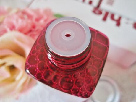 老化防止する化粧品!肌のコラーゲンを増やすために「ナールスピュア」大活躍!