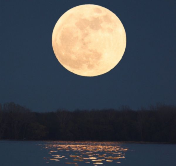 supermoon-may5-2012-x_600x450.jpg