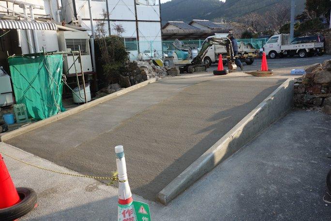 某駐車場改修~石垣積み中
