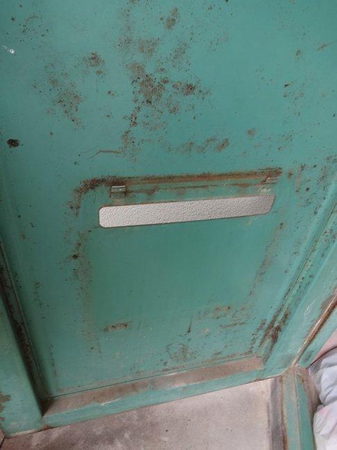 玄関ポスト修理