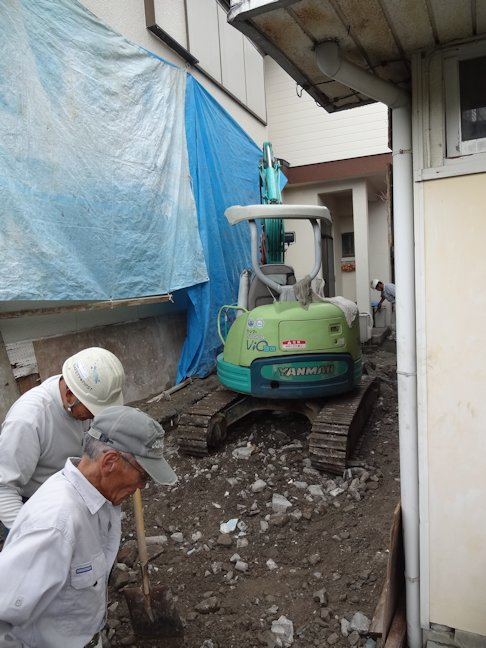 H邸屋外浴室及びトイレ解体~完了