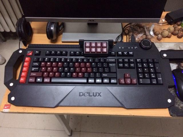 DeLUX_T21_01.jpg