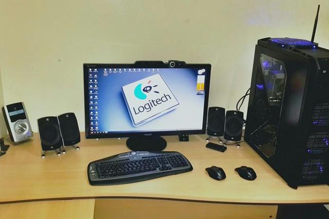 Desktop_Logitech3_42.jpg