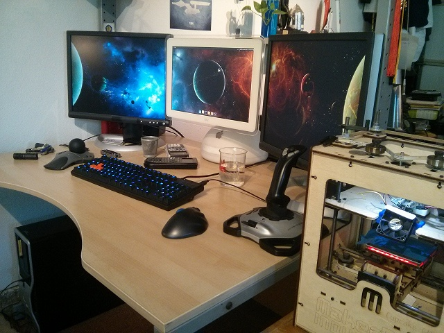 Desktop_MultiDisplay24_13.jpg