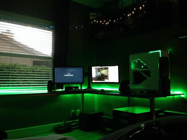 Desktop_MultiDisplay25_40.jpg