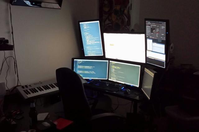 Desktop_MultiDisplay25_56.jpg