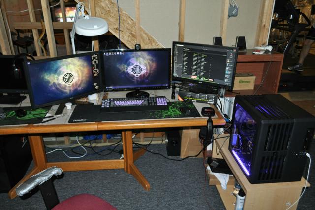Desktop_MultiDisplay25_59.jpg