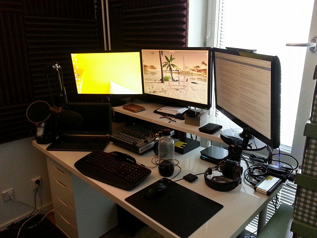 Desktop_MultiDisplay25_79.jpg