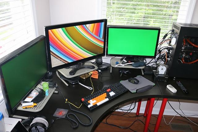 Desktop_MultiDisplay28_56.jpg