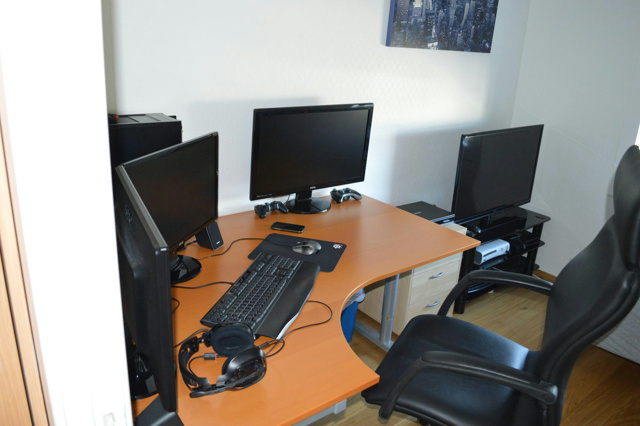 Desktop_MultiDisplay28_70.jpg