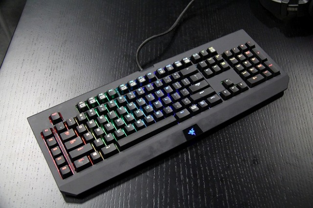 RGB_Mechanical_Keyboard_03.jpg