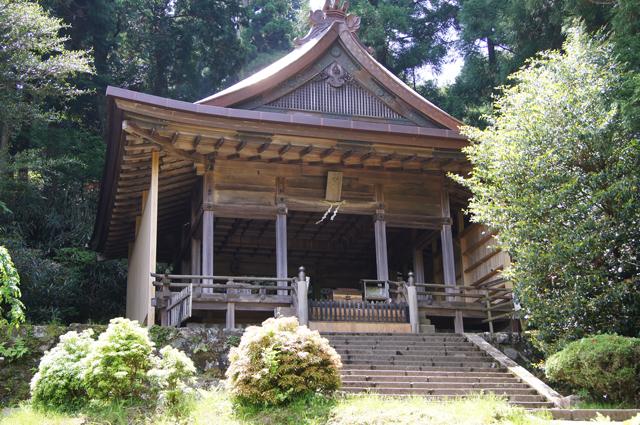 27_kinbu_jinja-thumb-640x425-1537.jpg